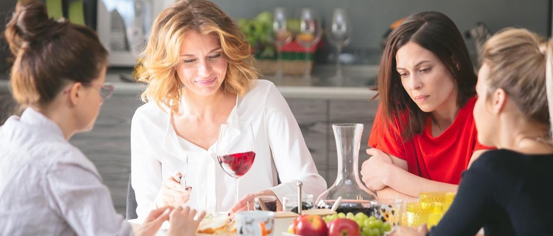 Девочки не сдаются 2 сезон: актерский состав и сюжет, дата выхода всех серий и трейлер сериала