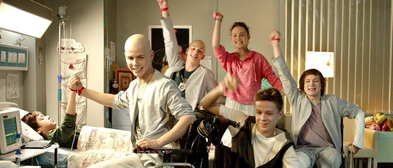 Красные браслеты 2 сезон: дата выхода сериала, сюжет и актерский состав, трейлера онлайн