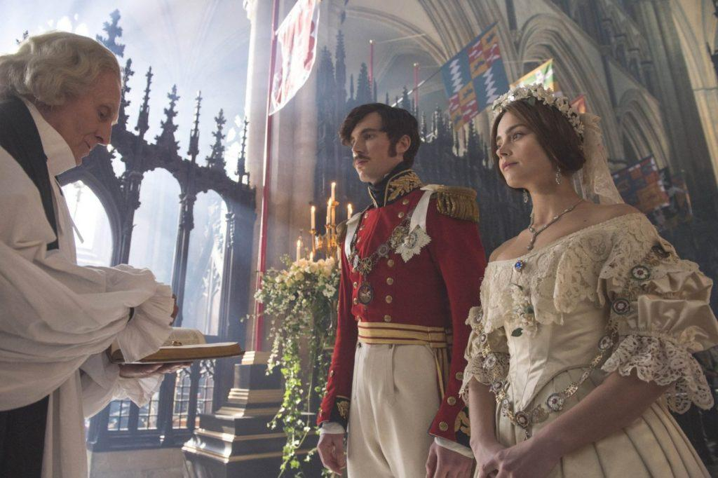 кадр из сериала Виктория