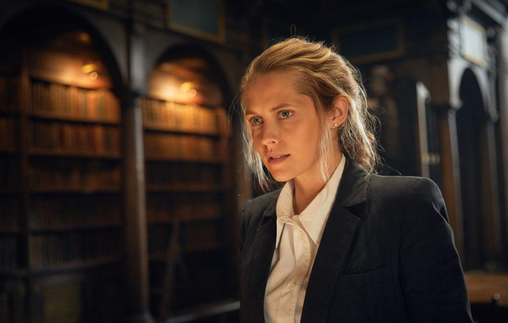 кадр из сериала Открытие ведьм